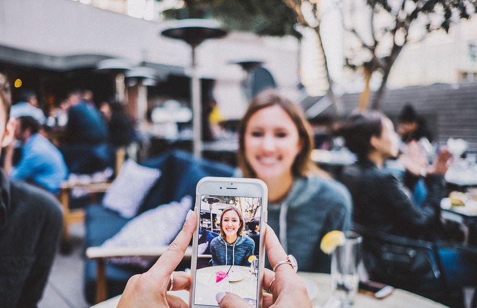 Cara menyembunyikan foto di perangkat iPhone dengan sangat mudah