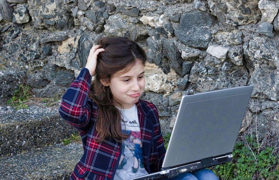 Facebook bagi tips cara mengawasi anak di dunia maya