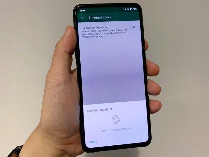 Cara mengaktifkan fitur keamanan sidik jari pada WhatsApp Android