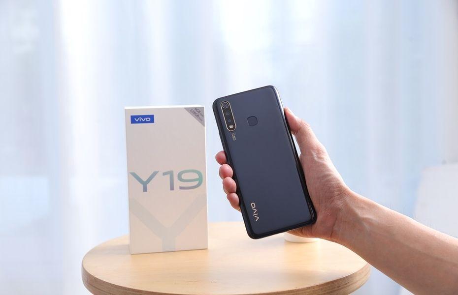 Dibanderol Rp3 juta, Vivo Y19 resmi dijual di Tanah Air
