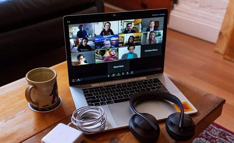 Panduan Lengkap Cara Aman Menggunakan Zoom Meeting di HP dan Laptop