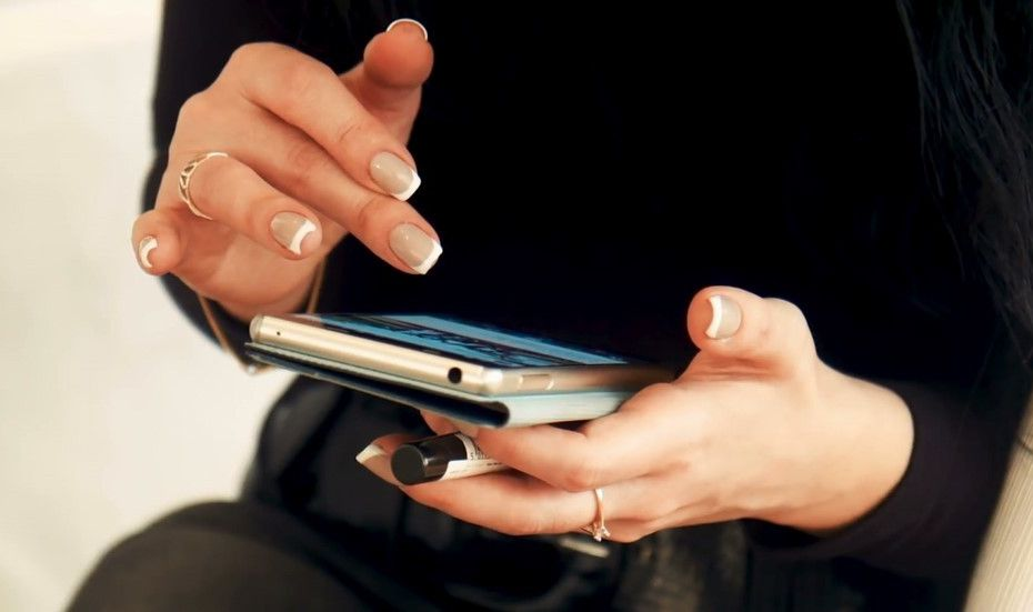 Penyebab dan Cara Mengatasi Layar Sentuh Kurang Sensitif di HP Android