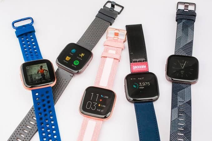 Ramaikan pasar smartwatch, tiga jagoan Fitbit resmi hadir di Indonesia