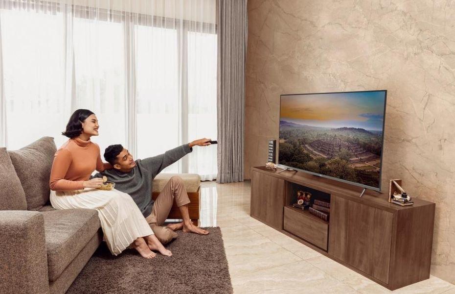 Tiga TV Pintar dengan bezel tipis juga turut hadir di Indonesia