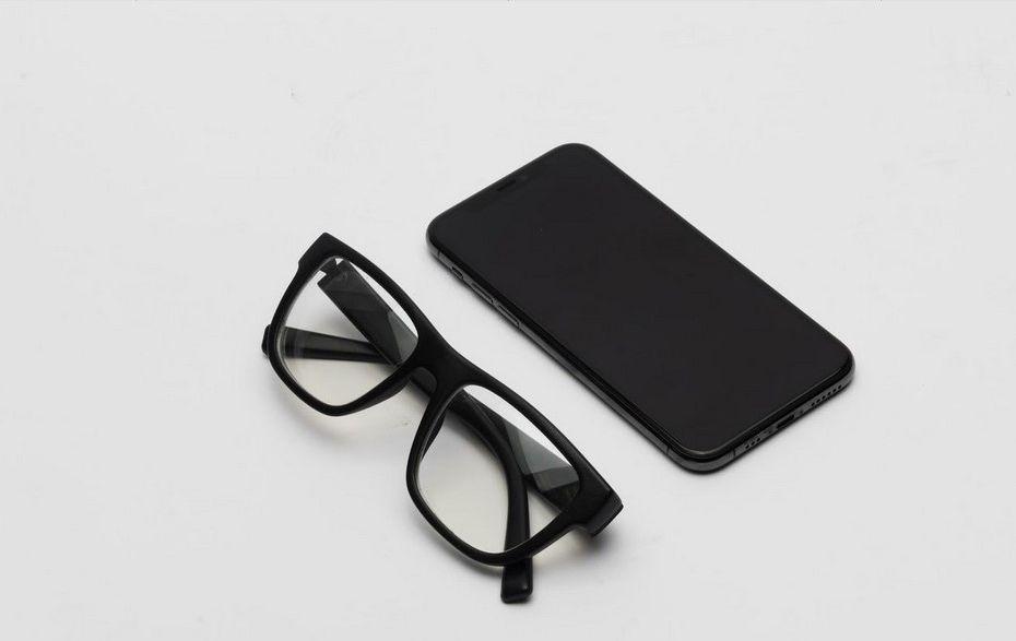 Auctify Buat Kacamata Pintar yang Dilengkapi Machine Learning, Bisa Rekam Data dan Kirim Aplikasi Ke Smartphone