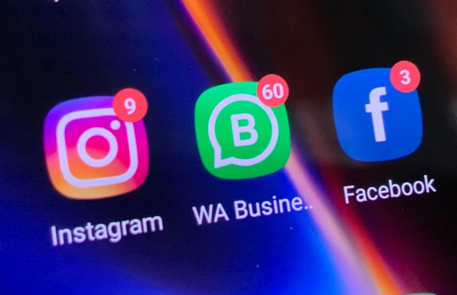 Facebook bakal ganti nama Instagram dan WhatsApp