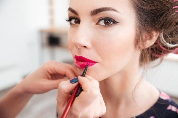 YouTube rilis fitur AR coba produk kecantikan secara virtual