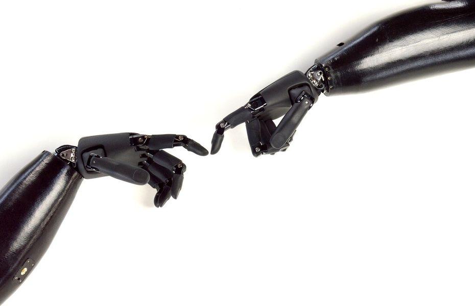 3 Mahasiswa UI kembangkan tangan robot, dikendalikan oleh otak