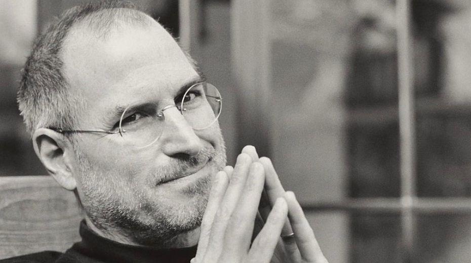 CEO Apple Kutip Puisi Maya Angelou untuk Mengenang Steve Jobs