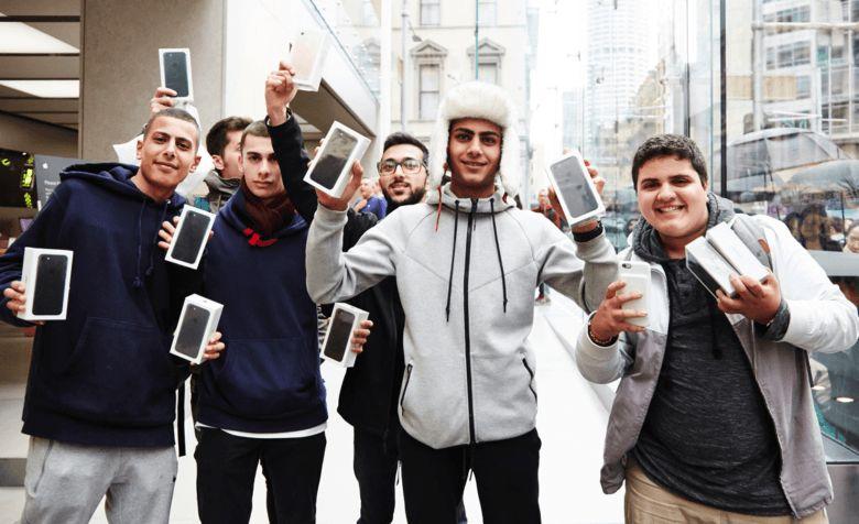 Apple batasi pembelian iPhone di toko online, dua unit per orang